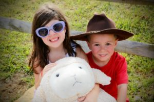 Mutton busters : Eliana and Liam